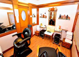 Salon in Delhi, Salon in Govindpuri Extn