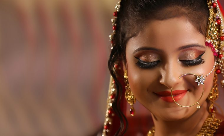 Why You Should Go For Airbrushed Makeup On Your Wedding