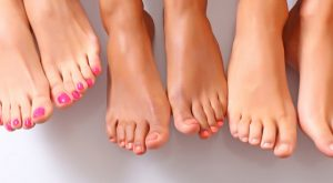 3 Natural Ways of Giving Yourself a Pedicure
