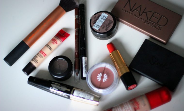 5 Makeup Essentials That You Should Never Leave Home Without.