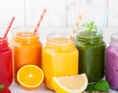 5 Smoothies Every Woman Must Drink For A Glowing Skin.