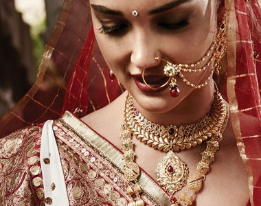 You Will Not Want To Do Your Bridal Makeup At Home After Reading This