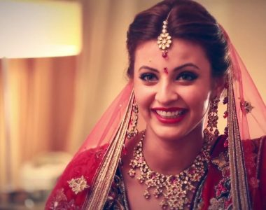 8 Makeup Essentials You Must Carry If You Have A Wedding To Attend